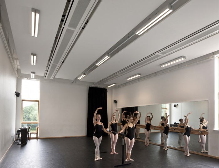 University of surrey gsa building penoyre prasad for Porte arts and dance studio