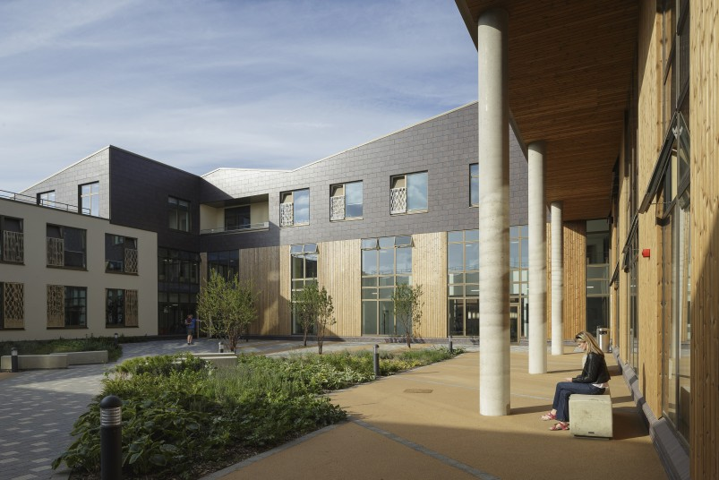 Projects Health QEII Hospital Courtyard Garden Penoyre and Prasad