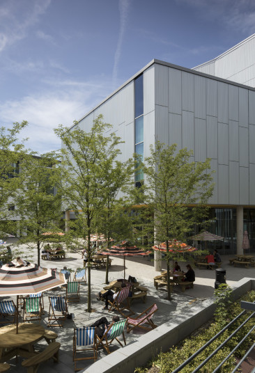 Projects Higher Education University of Portsmouth Eldon Building Exterior Courtyard Landscape Penoyre and Prasad